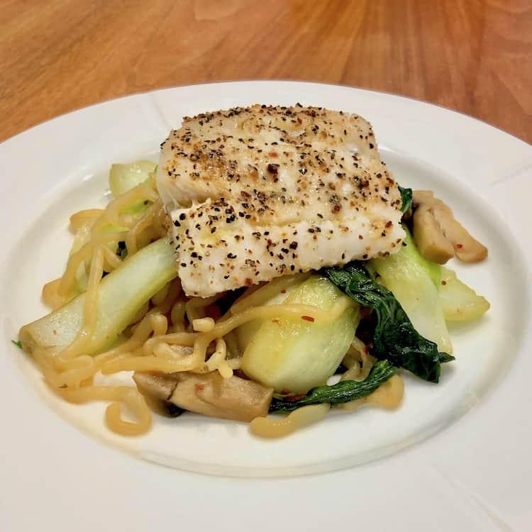 LowCarb noodles, cod, fish, salad, soy sauce, basil, butter, lemon pepper